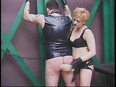 Inked boy worships mature's twat in master-slave fantasy